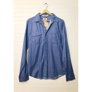 Levi's Men's chambray button down shirt size MD